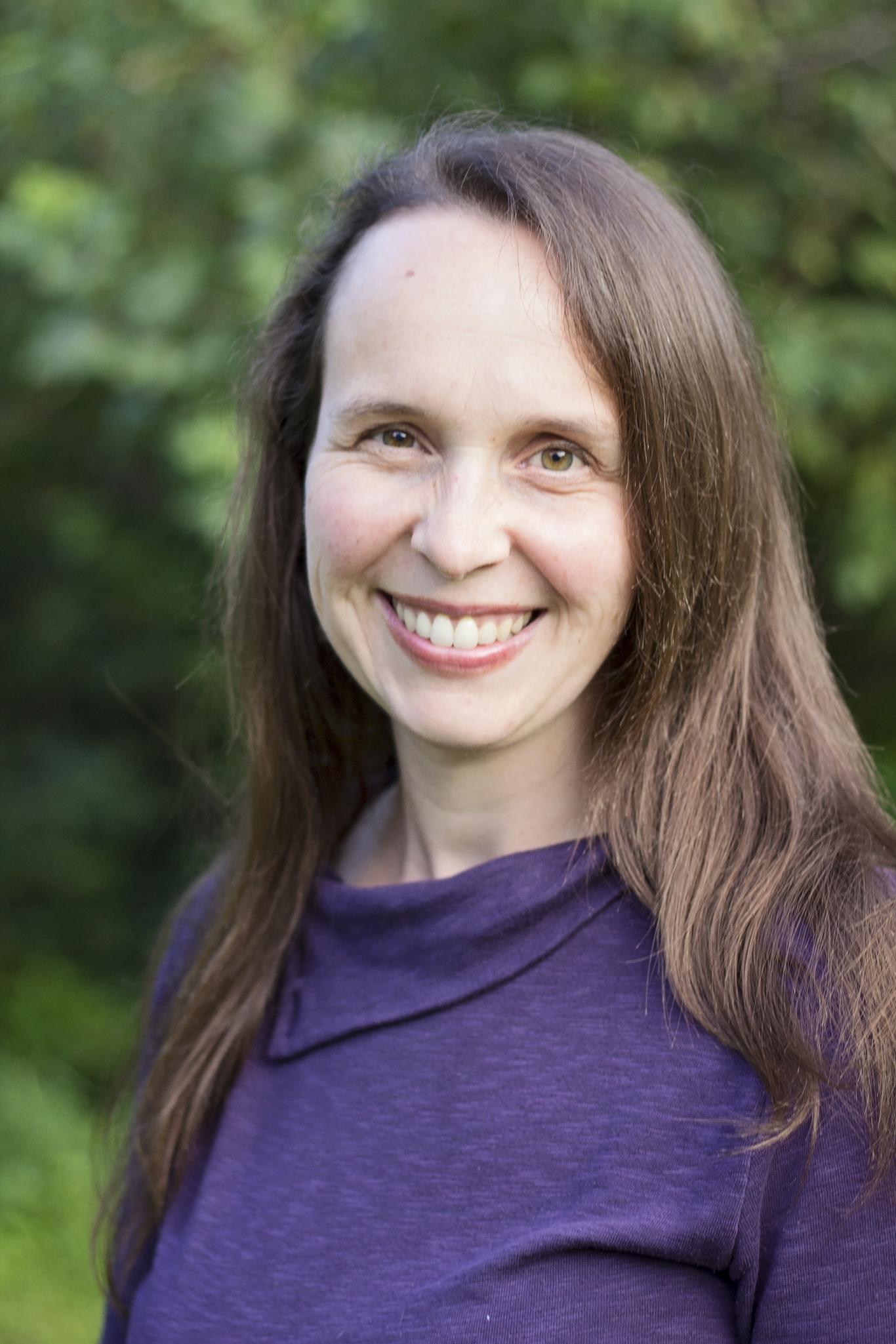 sarah-r-baughman-author-pic